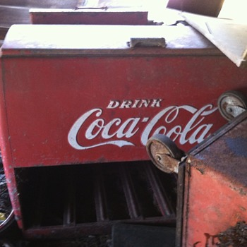 Can anyone tell me about this cooler - Coca-Cola