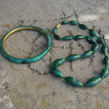 Malachite bangle and bead necklace from Moonstonelover