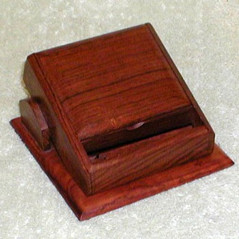 Wood Desktop Cigarette Dispenser