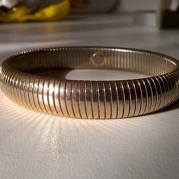 Monet Omega Gold Tone Expandable Bracelet 1980s $1.00