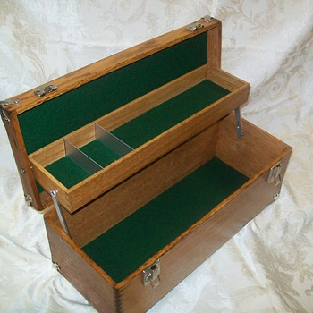 Early 1900`s Union Cantilever tool box