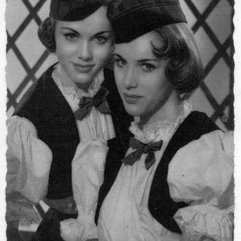 Alice and Ellen Kessler - Photocard - Photographs