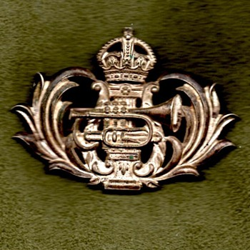 British Army Musician's pouch badge?