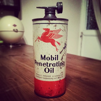 mobil penetrating oil tin - Petroliana