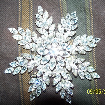 My Trifari Snowflake... - Accessories