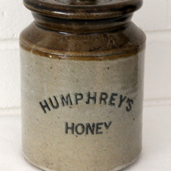 Australian Bennetts Pottery honey jar