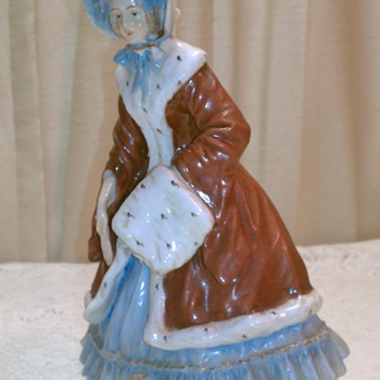 antique pocelain figurine possibly from germany help on marking!! - Figurines