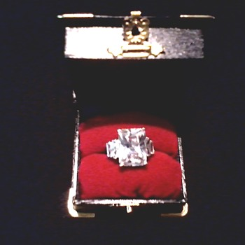 Large Princess Cut Stone With Baguettes Cocktail Ring / Unknown Gem Unmarked / Circa 20th Century - Costume Jewelry