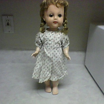 IDEAL WALKER POSIE BENT KNEE CRYER DOLL