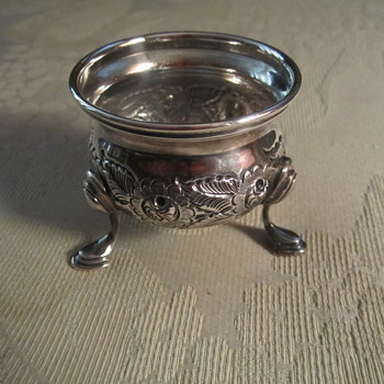 "Silver Footed Hand Chased Salt Cellar w/ Bristol Blue Liner 2-1/2"" - Kitchen"