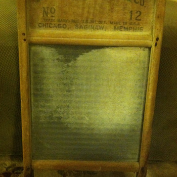 Glass washboard