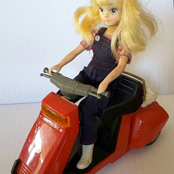Barbie ? Cindy? Doll on Moped / Scooter from Hong Kong
