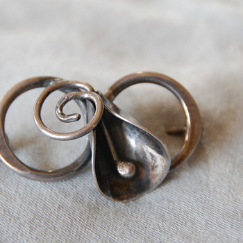 Sterling Silver Brooch_Help ID Please