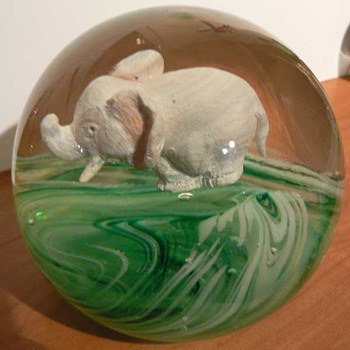 Jim Davis Elephant - Art Glass