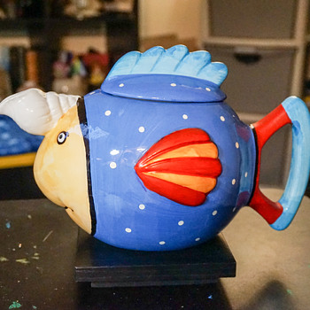 Colorful Fish Tea Pot