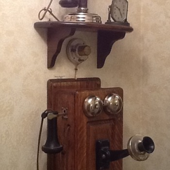 1908 Kellogg Candlestick telephone & early 1900 Western Electric wooden wall phone - Telephones