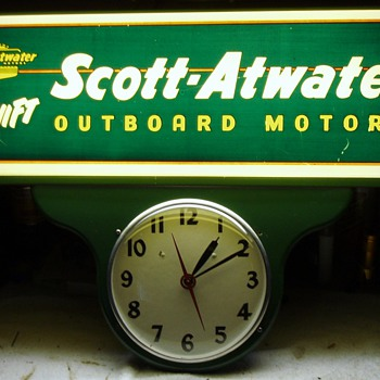 Scott Atwater Outboard Motor Vintage Clock 1952 - Clocks