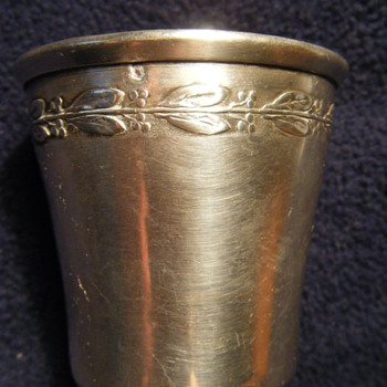 18th c STERLING SILVER SHOT GLASS BRITISH EG into a lozenge under a fleur de lys and over a star Elizabeth Godfrey entered 1741