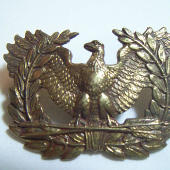 WWII EAGLE HAT BADGE/PIN JR GAUNT MADE IN LONDON WITH STAMP ON THE BACK - Military and Wartime