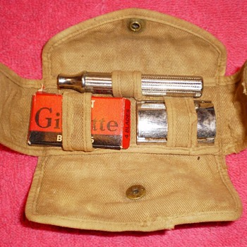 Is this an old miltary shaving kit of some kind? - Military and Wartime