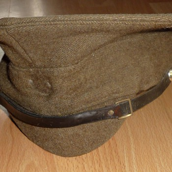 ww1 guards / mp cap and bullet clips - Military and Wartime