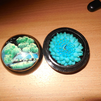 blue lotus flower is fixed inside laminex round box