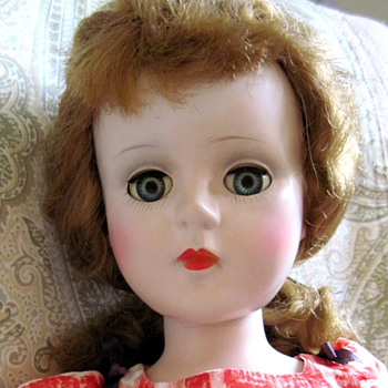 Sweet Sue - 1950s Classic Girl! - Dolls