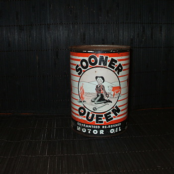 Sooner Queen oil can - Petroliana