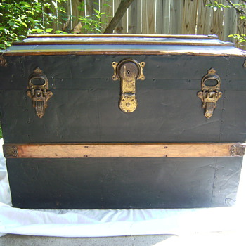 "Can anyone tell me ANY info. about this trunk, ""Leibermann"" Saginaw, MI??? - Furniture"