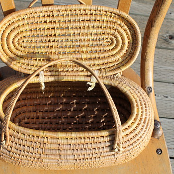 Wicker Basket with Lid & Handles - Sewing