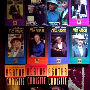 BIG COLLECTION OF VINTAGE AGATHA CHRISTIE (MISS MARPLE)