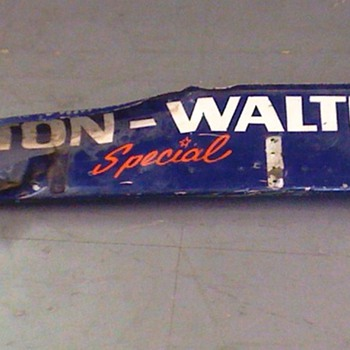 Salt Walthers #77 Indycar Wickerbill - Sporting Goods