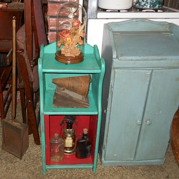 Small Floor Standing Shabby Chic Hutch - Furniture