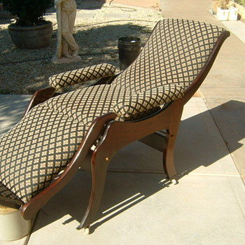 RECLINER CHAIR   - Furniture
