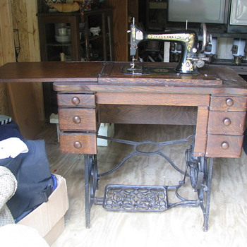 Treadle sewing machine &amp; oil lamps - Lamps
