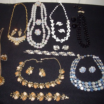 Black Friday Scores. - Costume Jewelry