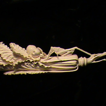 Beautiful Carved Chinese Ivory Cabbage Leaf with Cricket