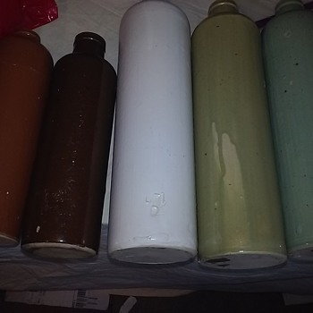Help id these old bottles .....