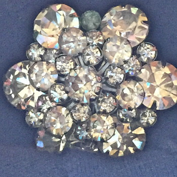 Vintage Rhinestone brooch, not signed, who made it?