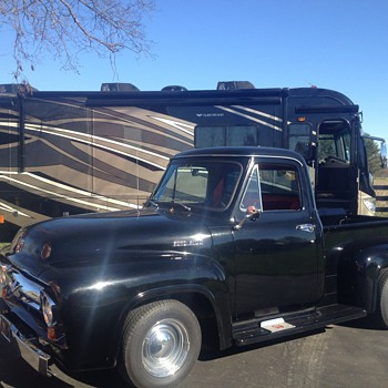 Donna&#039;s 1954 Ford F-100
