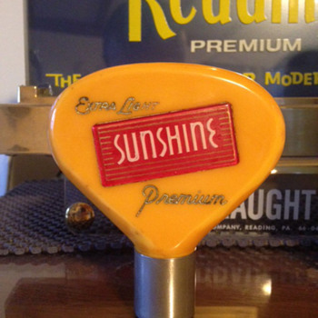 Yellow Bakelite Sunshine Beer Tap Knob - Breweriana