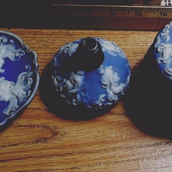 1906-1910 Vanity Set, WEDGEWOOD? ART NOUVEAU, POWDER JAR,PERFUME, PIN TRAY, FLOWING CAMEOS