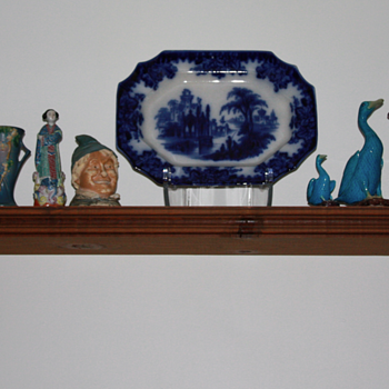 ~~~~OLd 1850&#039;s Flow Blue Plater~~~~