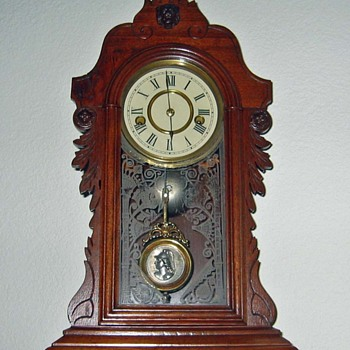 Wood Mantel Clock - Can anyone tell me about it? - Clocks