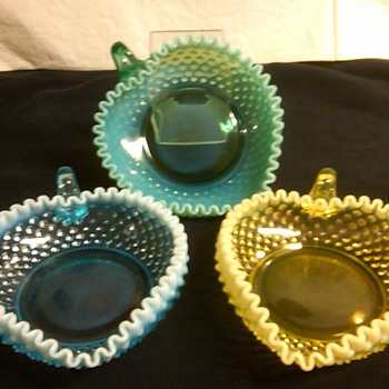STUNNING SET OF FENTON OPALESCENT HOBNAIL HEART RELISH DISHES