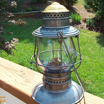 Lake Erie &amp; Western Railroad Lantern