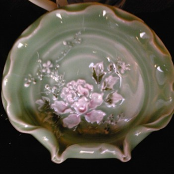 kato shunka meiji era-celadon raised enamel bowl japan