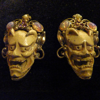 Selro Devil Faces Clip Earrings
