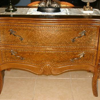 possible 18th - 19th century  - Furniture