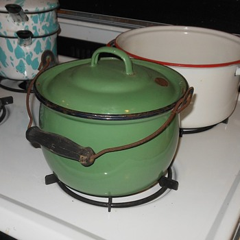 Vintage Green Enamelware Pot or Pail - Kitchen
